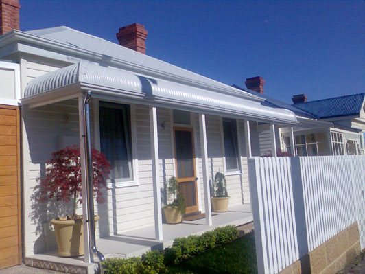 Weatherboard-exterior-fence